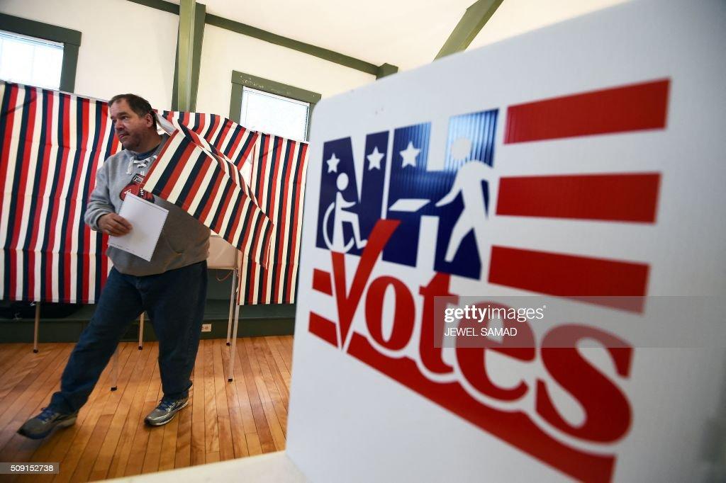 TOPSHOT-US-VOTE-ELECTION-NEW HAMPSHIRE : News Photo