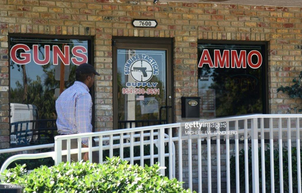 US-SHOOTING-SCHOOL : News Photo