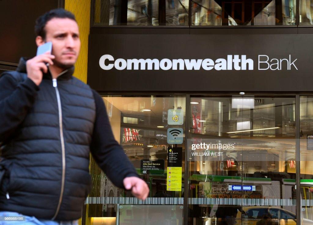 AUSTRALIA-BANKING-CRIME-COMMONWEALTH : News Photo