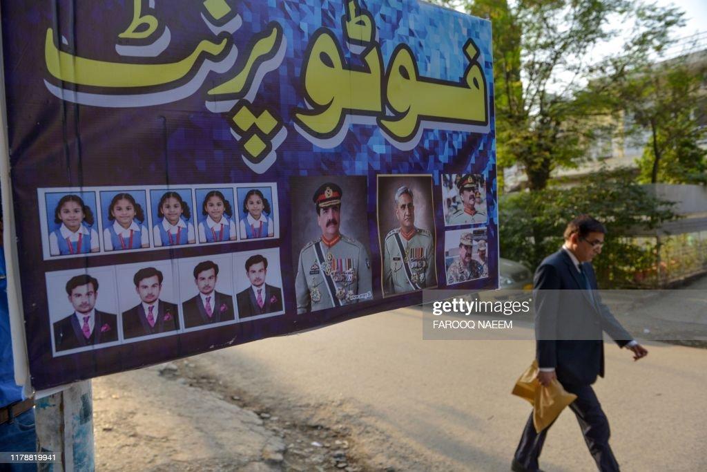 PAKISTAN-POLITICS-ARMY : News Photo