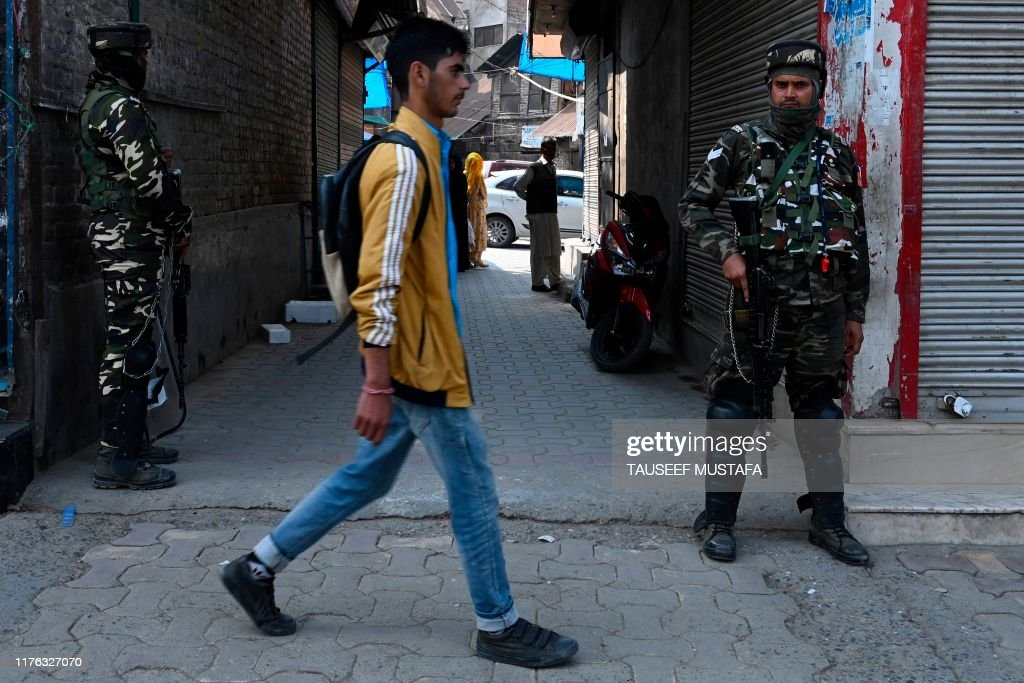 INDIA-PAKISTAN-KASHMIR-UNREST : News Photo