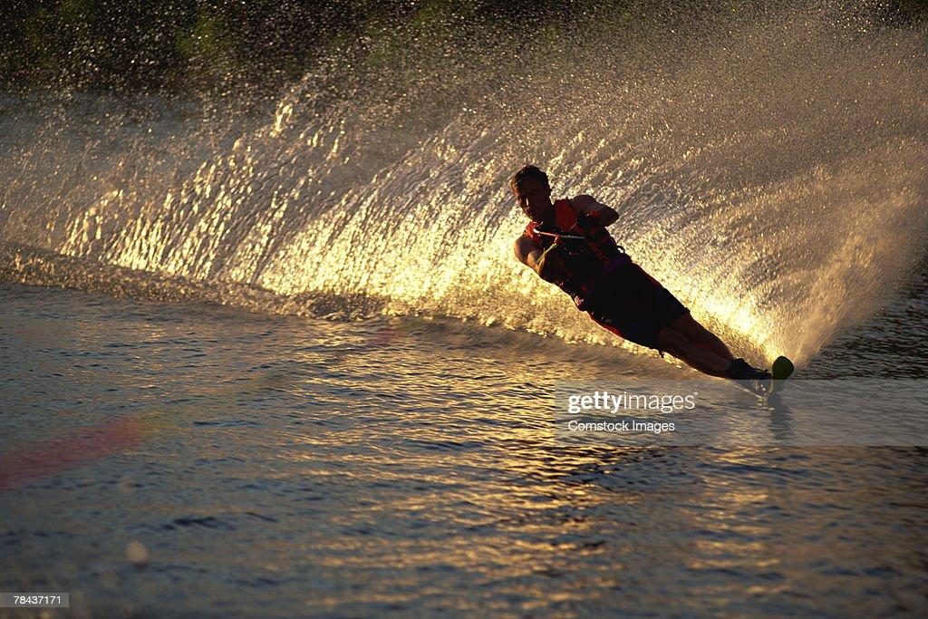 Man water skiing : Stockfoto