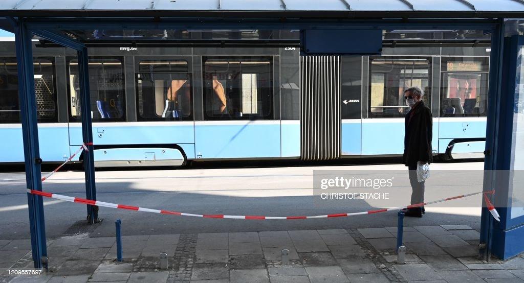 GERMANY-HEALTH-VIRUS-TRANSPORT : News Photo
