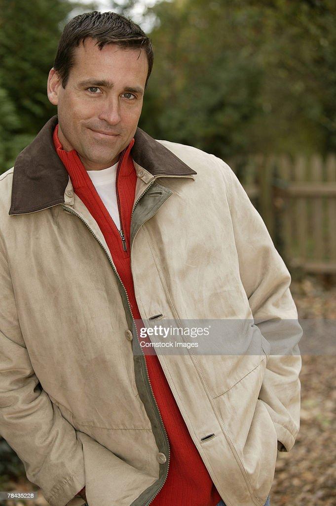 Man wearing coat : Stockfoto