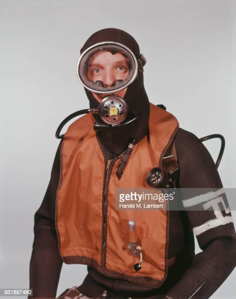 Man wearing scuba mask