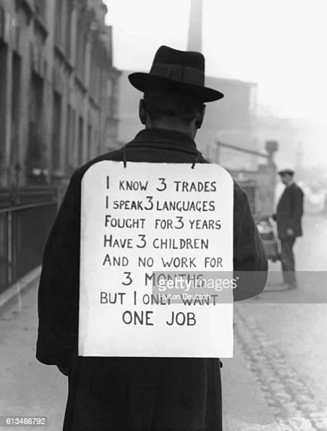 Man Wears Sandwich Board About his Unemp