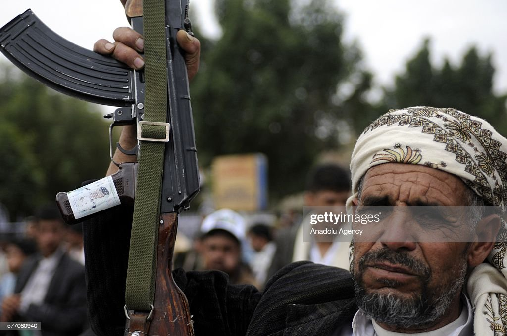Houthi supporters' protest in Yemen : News Photo