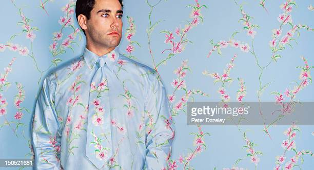 man with camouflage shirt and tie - camouflage stock pictures, royalty-free photos & images