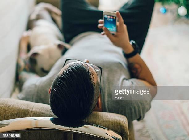 Mann mit Hund SMS.