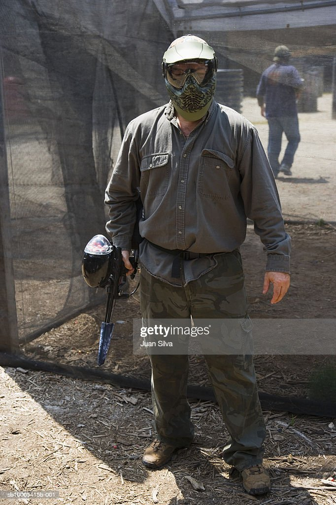 Man with paintball gear, portrait : Foto stock