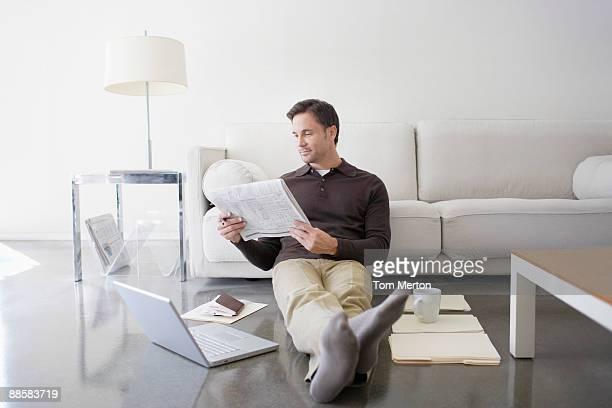 Mann, Arbeiten von Zuhause