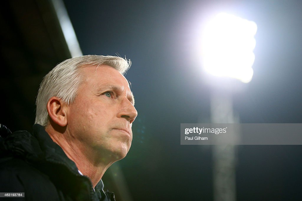 Manager Alan Pardew of Crystal Palace looks on during the Barclays Premier League match between Crystal Palace and Newcastle United at Selhurst Park on February 11, 2015 in London, England.