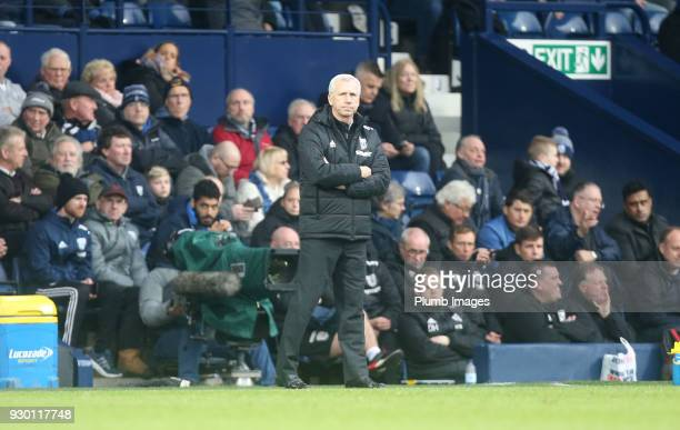 Manager Alan Pardew of West Bromwich Albion during the Premier League match between West Bromwich Albion and Leicester City at The Hawthorns on March...