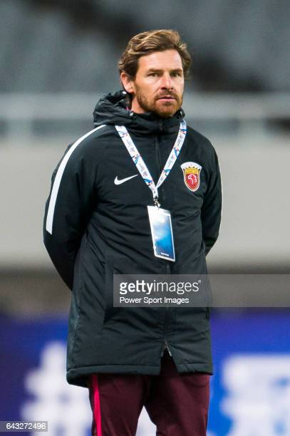 Manager Andre VillasBoas of Shanghai SIPG FC looks on during their AFC Champions League 2017 Playoff Stage match between Shanghai SIPG FC and...