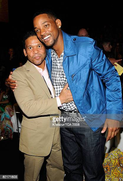 LOS ANGELES CA AUGUST 03 Manager Benny Medina and actor Will Smith during the 2008 Teen Choice Awards at Gibson Amphitheater on August 3 2008 in Los...