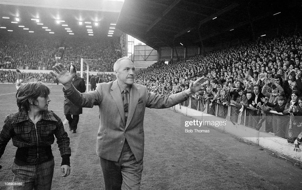 Manager Bill Shankly acknowledging Liverpool fans at Anfield before his Testimonial Match on 29th April 1975.