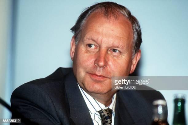 Manager D Vorstandsmitglied der Adam Opel AG in Rüsselsheim