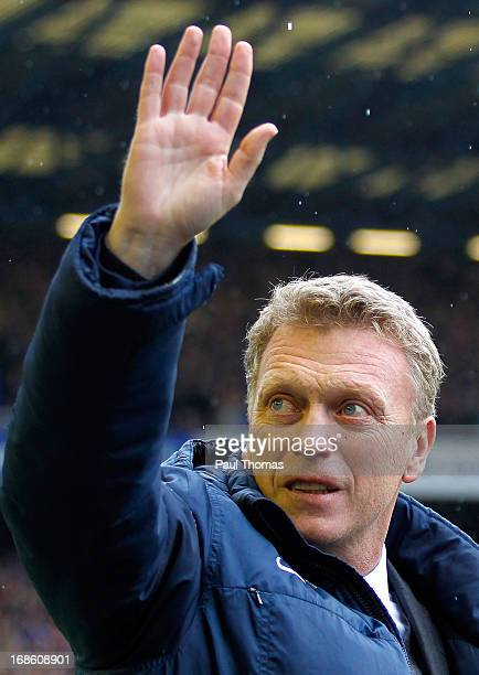 Manager David Moyes of Everton waves to the home fans before the Barclays Premier League match between Everton and West Ham United at Goodison Park...