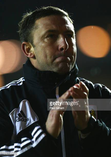Manager Derek McInnes of Bristol City applauds the fans as he leaves the pitch at the end of the 40 defeat to Leicester City during the npower...