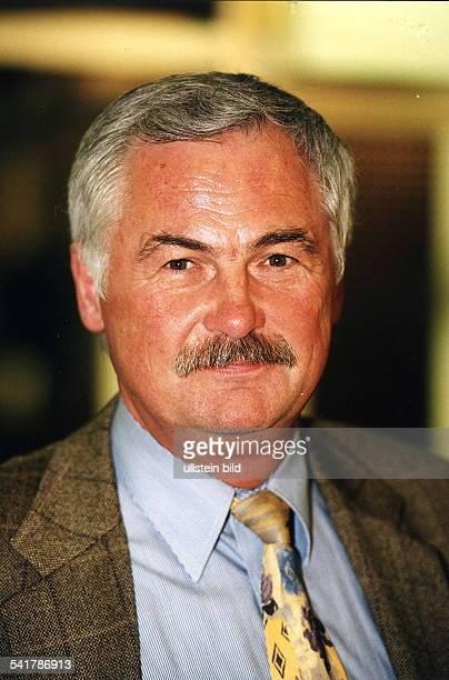 Manager DManager des Gewerbeparks am Borsigturm Porträt Dezember 1998