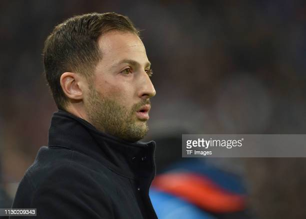 Manager Domenico Tedesco of Schalke 04 looks on during the UEFA Champions League Round of 16 Second Leg match between Manchester City v FC Schalke 04...