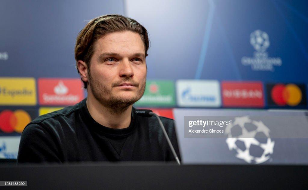 Borussia Dortmund  Press Conference : ニュース写真