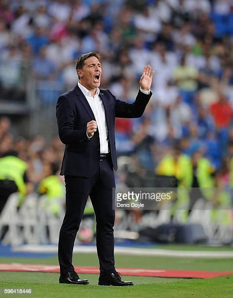 Manager Eduardo Berizzo of Celta de Vigo reacts during the La Liga match between Real Madrid CF and RC Celta de Vigo at Estadio Santiago Bernabeu on...