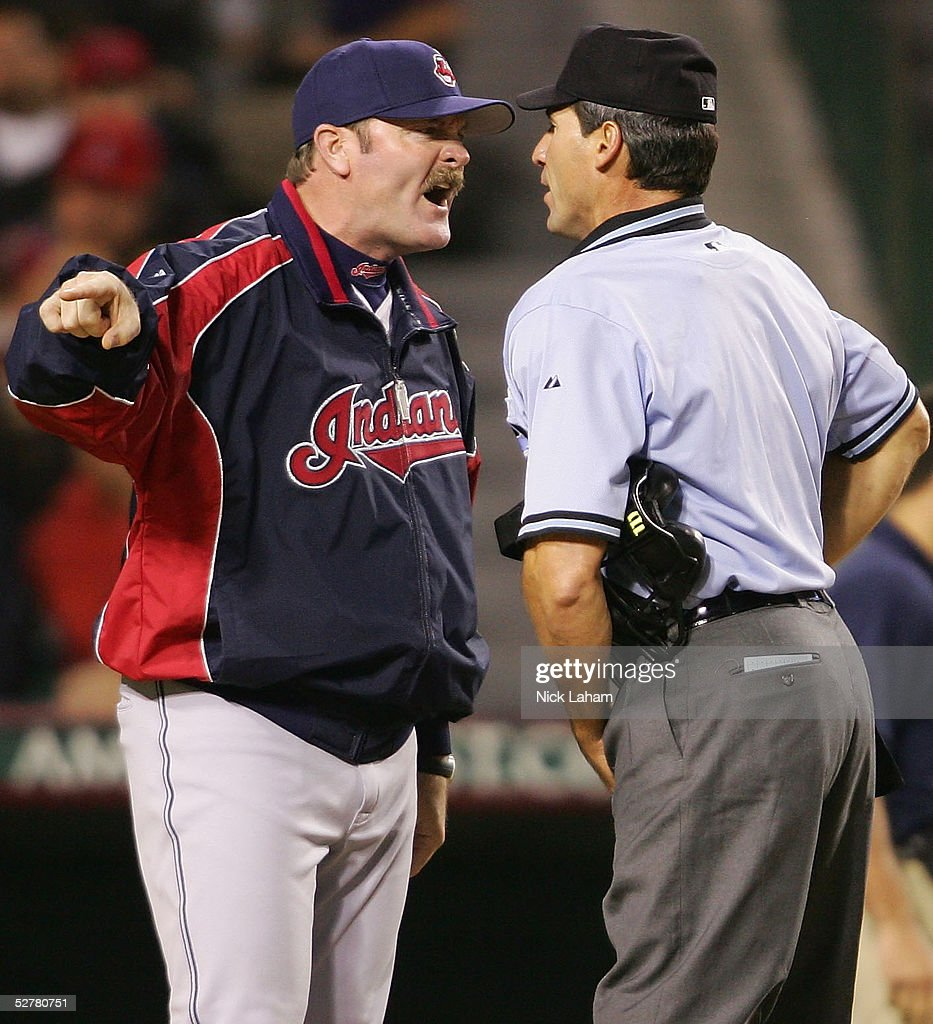 Cleveland Indians v California Angels : News Photo