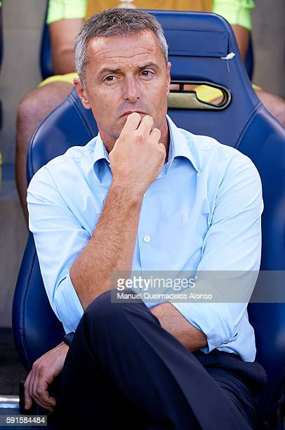 Manager Fran Escriba of Villarreal looks on prior to the UEFA Champions League playoff first leg match between Villarreal CF and AS Monaco at El...