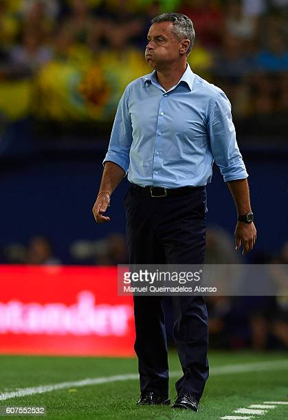 Manager Fran Escriba of Villarreal reacts during the La Liga match between Villarreal CF and Real Sociedad at El Madrigal on September 18 2016 in...