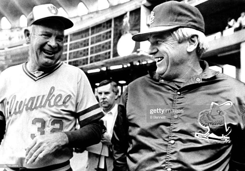 1982 World Series - Game 1:  Milwaukee Brewers v St. Louis Cardinals : News Photo
