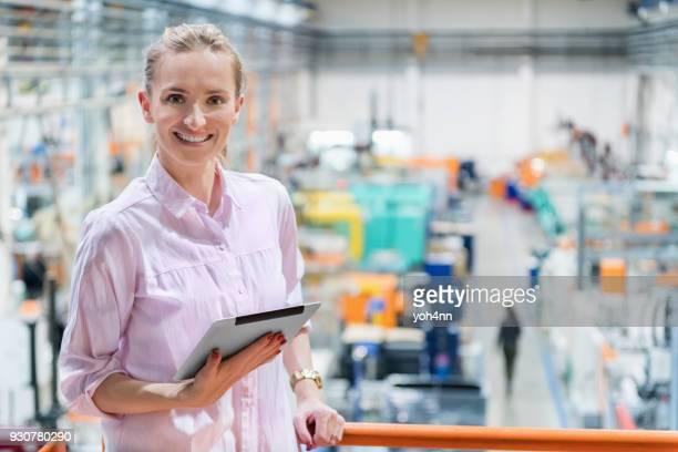 Gestionnaire dans une usine industrielle