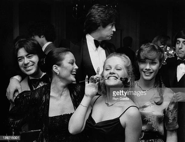 Manager Jon Mercedes Carol Connors actress Charlene Tilton Robert Hayes Barbi Benton and George Gradow attending 33rd Annual National Hockey League's...