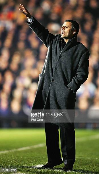 Manager Jose Mourinho of Chelsea shouts at his players during the Carling Cup Fifth Round match between Fulham and Chelsea at Craven Cottage on...