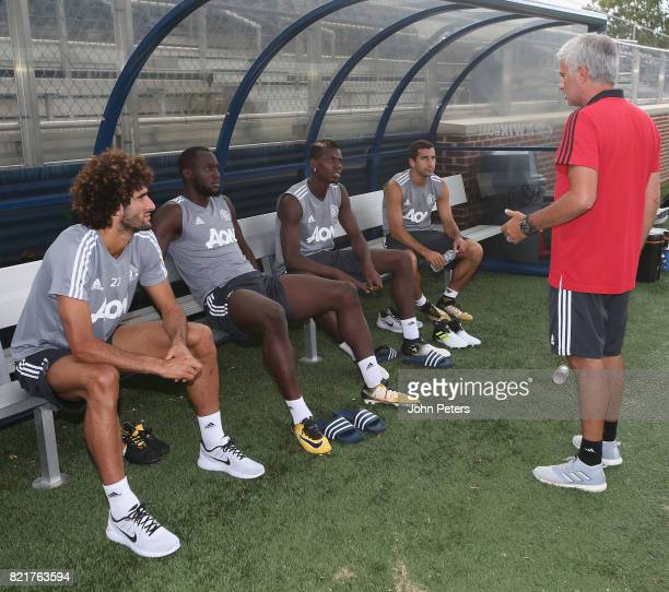 Manager Jose Mourinho of Manchester United speaks to Marouane Fellaini Romelu Lukaku Paul Pogba and Henrikh Mkhitaryan during a first team training...