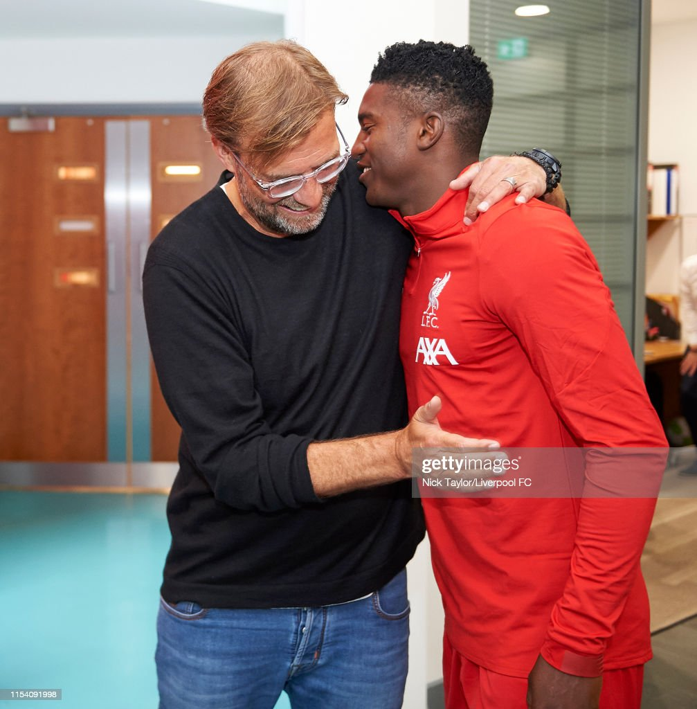 Liverpool Players Return for Pre-Season : Nachrichtenfoto