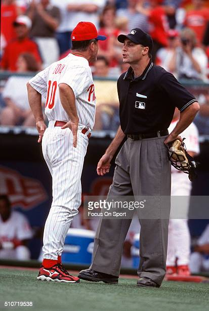 Manager Larry Bowa of the Philadelphia Phillies argues with an Umpire during a Major League Baseball game circa 2001 at Veterans Stadium in...