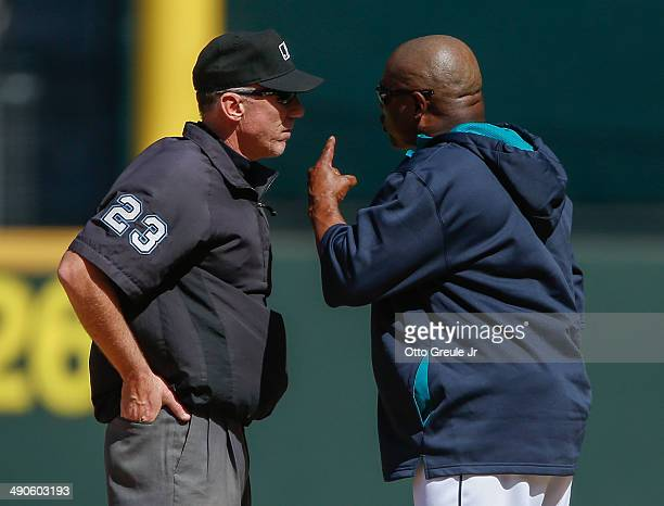 Manager Lloyd McClendon of the Seattle Mariners argues with first base umpire Lance Barksdale after being ejected in the seventh inning against the...