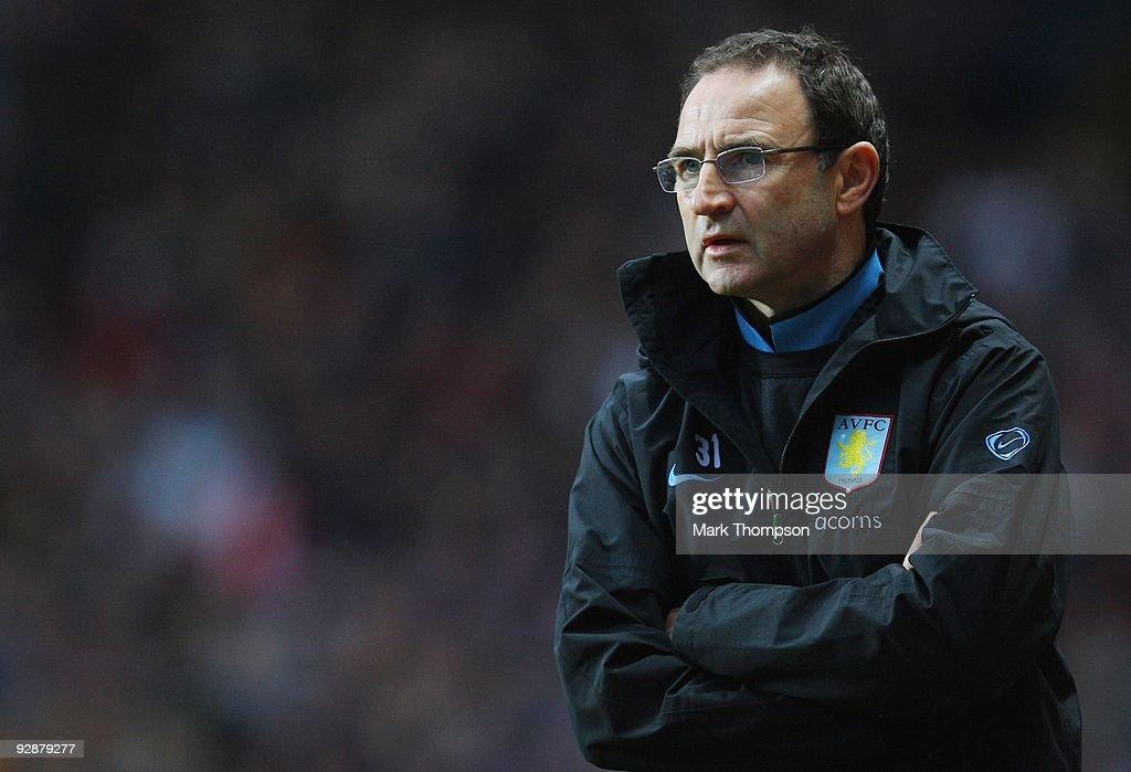 Aston Villa v Bolton Wanderers - Premier League : News Photo