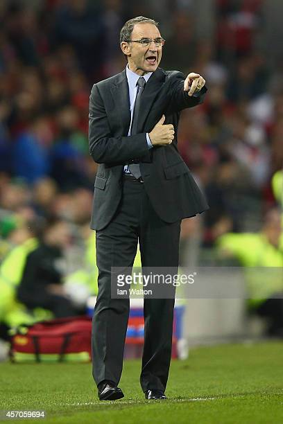 Manager Martin O'Neill of Republic of Ireland gives direction during the EURO 2016 Qualifier match between Republic of Ireland and Gibraltar at Aviva...