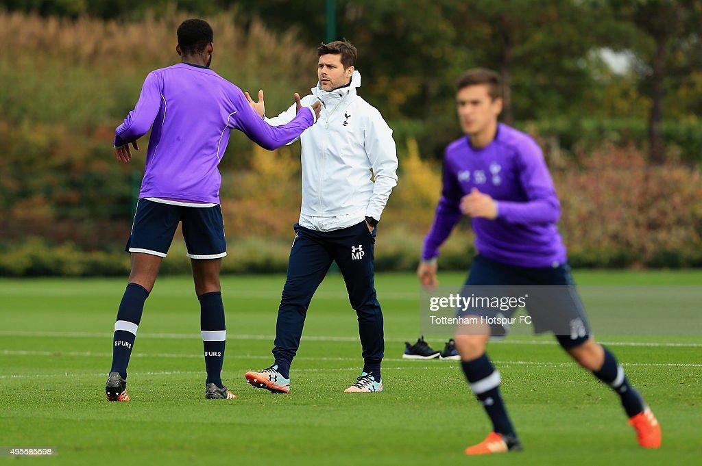 Tottenham Hotspur Training Session : Nachrichtenfoto
