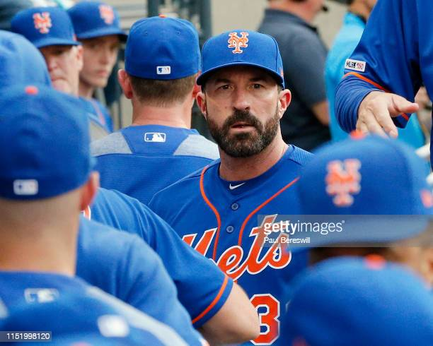 Manager Mickey Callaway of the New York Mets talks with his team in the dugout before an MLB baseball game against the Washington Nationals on May 20...