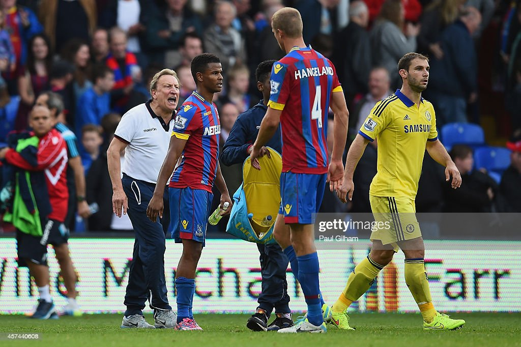 Manager Neil Warnock of Crystal Palace shouts to his players as they walk off at the end of the Barclays Premier League match between Crystal Palace and Chelsea at Selhurst Park on October 18, 2014 in London, England