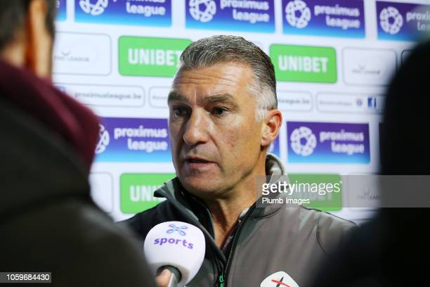 Manager Nigel Pearson of OH Leuven talks to the media after the Proximus League match between KSV Roeselare and OH Leuven at Schiervelde Stadion on...