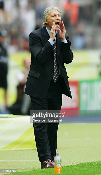 Manager of Argentina Jose Pekerman shouts during the FIFA World Cup Germany 2006 Quarterfinal match between Germany and Argentina played at the...