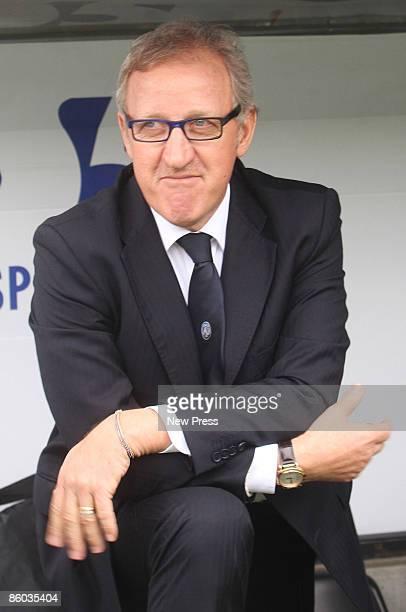 Manager of Atalanta Luigi del Neri looks on during the Serie A match between Atalanta and Reggina at the Stadio Atleti Azzurri d Italia on APRIL 19,...