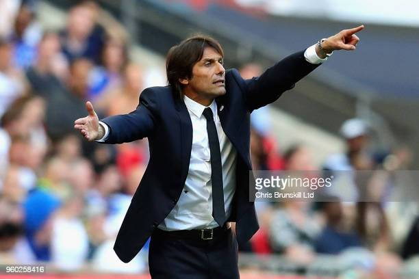 Manager of Chelsea Antonio Conte gestures during the Emirates FA Cup Final between Chelsea and Manchester United at Wembley Stadium on May 19 2018 in...