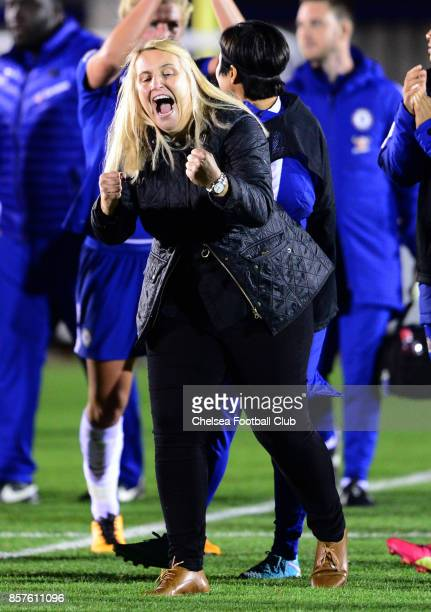 Manager of Chelsea Emma Hayes celebrates after the UEFA Women's Champions League match between Chelsea ladies and Bayern Munich at The Cherry Red...