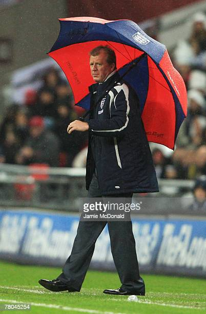 Manager of England Steve McClaren looks on during the Euro 2008 Group E qualifying match between England and Croatia at Wembley Stadium on November...