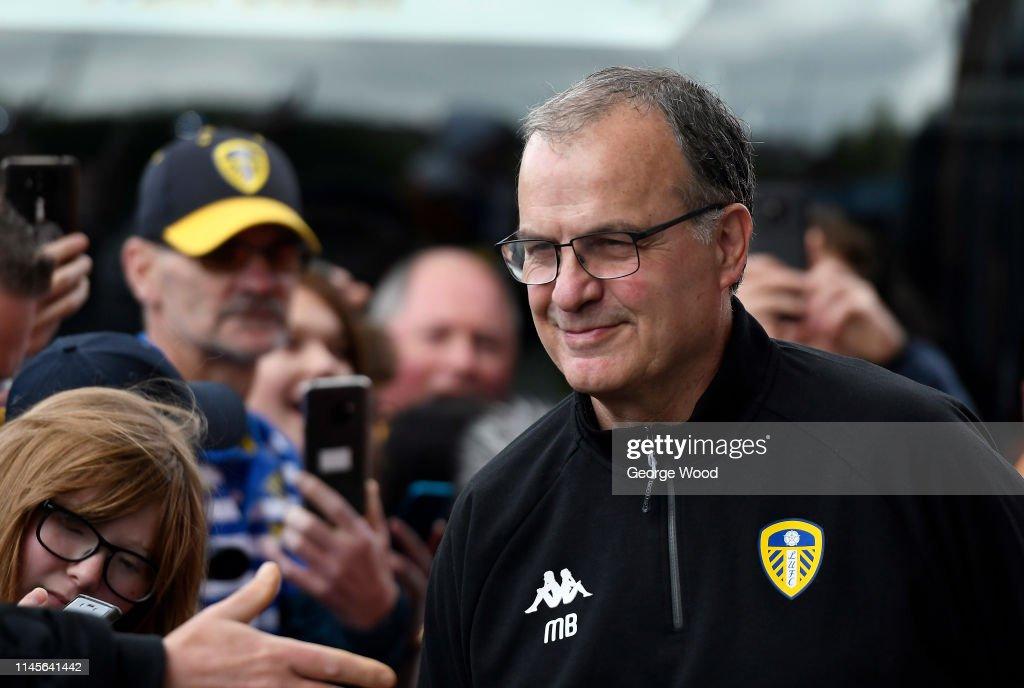 Leeds United v Aston Villa - Sky Bet Championship : ニュース写真